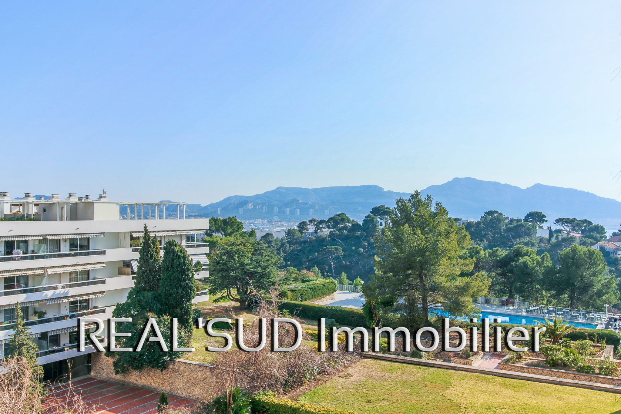 Vente marseille 13008 grand t3 r sidence standing avec piscine - Residence avec piscine marseille ...